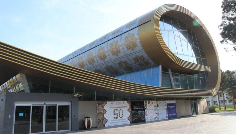ФОТО: И на стенку повесить не стыдно. Причудливый мир ковров в музее Баку
