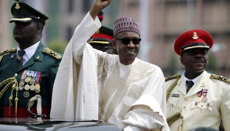 'Boko Haram' krīze: Nigērijas prezidents dod armijai 3 mēnešus grupējuma sakaušanai