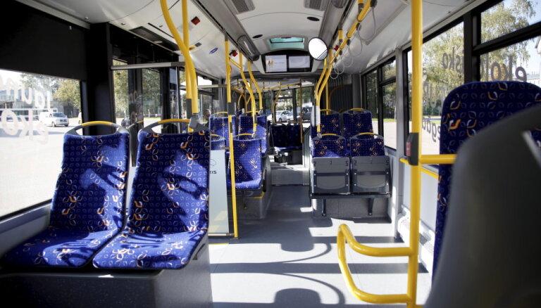 Э-талон сдает позиции? Осенью в общественном транспорте Риги появятся билеты с QR-кодом