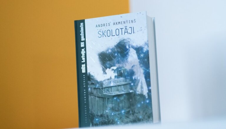 Vēstures romānu sērijā iznācis Andra Akmentiņa darbs 'Skolotāji'