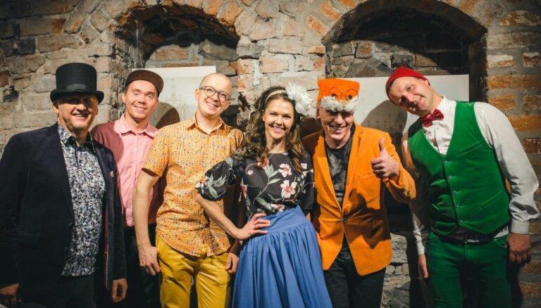 Izsludina 'Brīnumskapja' balles Melngalvju namā papildkoncertu
