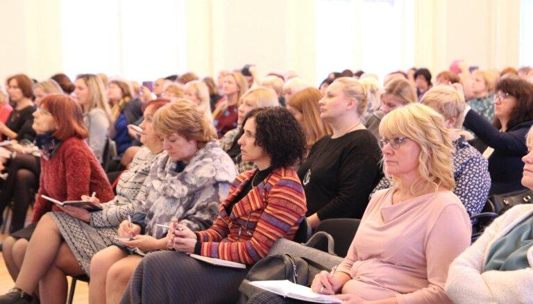Šuplinska aicina pirmsskolas pedagogus kopīgi strādāt pie atalgojuma modeļa
