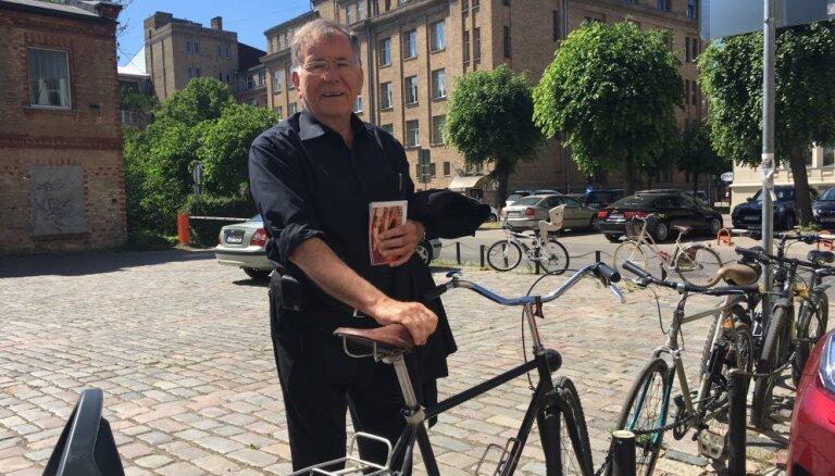 Улицы - у́же, тротуары и велодорожки — шире! Датский урбанист Ян Гейл дал советы Риге и похвалил Москву
