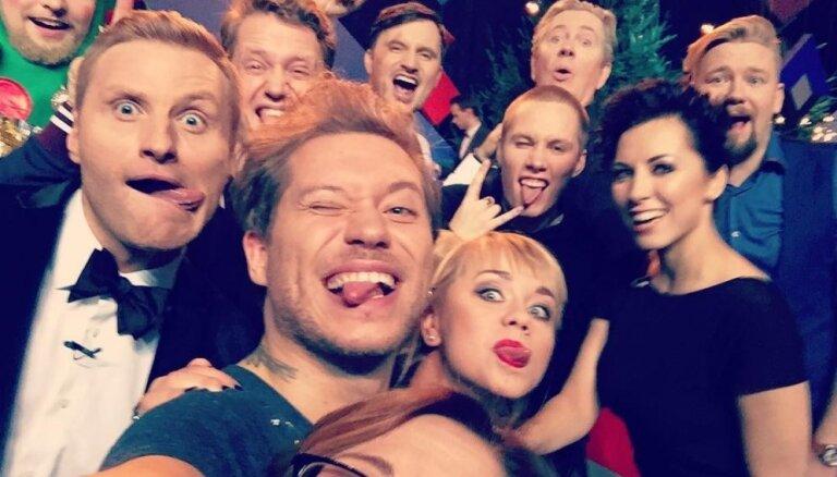Foto: Visu laiku zvaigžņotākais pašmāju slavenību selfijs