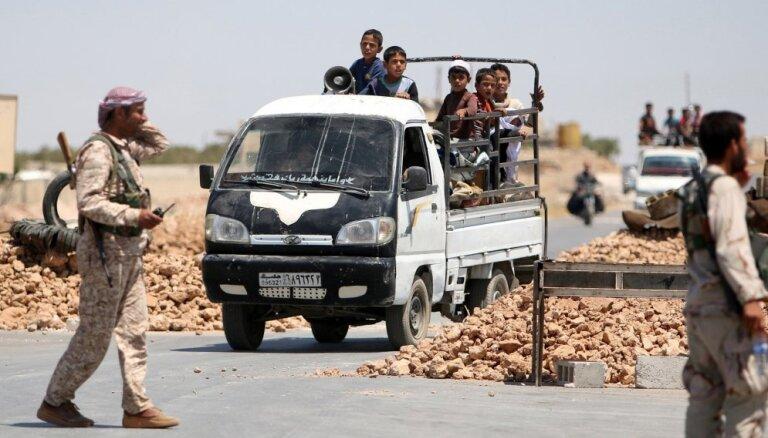 Sīrijas kurdu karotāji pamet Menbižas apvidu
