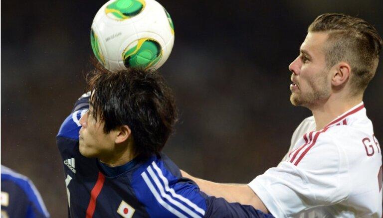 Latvijas futbolisti gada pirmajā spēlē pārliecinoši piekāpjas Japānai