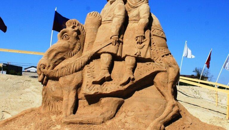 ФОТО: Античный мир на острове Паста в Елгаве