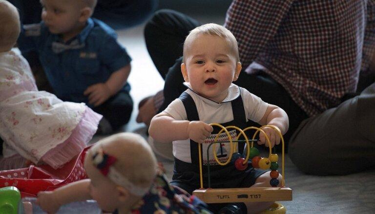 ФОТО: Как развлекается британский принц Джордж