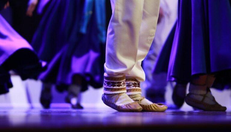 Turcijas apvērsums pamatīgi aizkavē 'Zelta sietiņa' dejotāju atgriešanos Latvijā