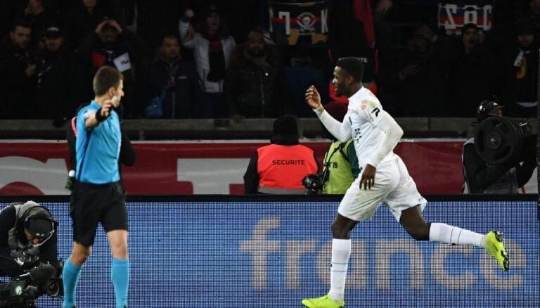 Franču futbola leģendas Turama dēls sensacionāli izslēdz no Francijas kausa 'Paris Saint-Germain'