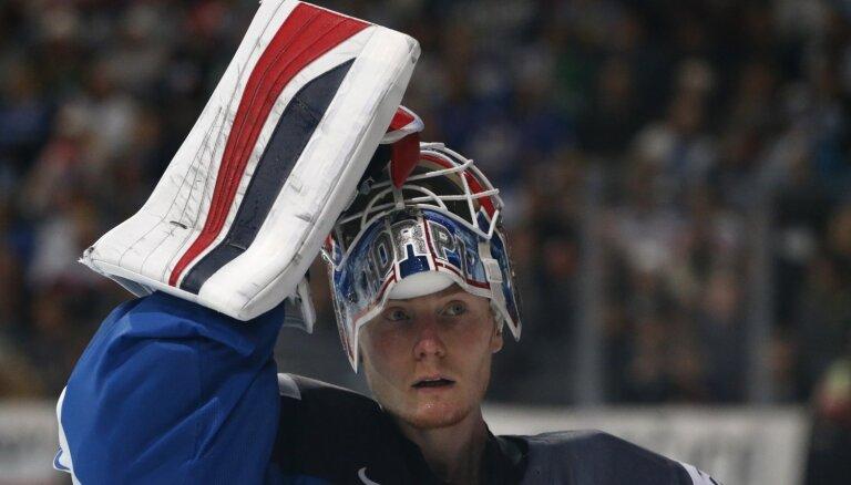 NHL funkcionāri Merzļikina konkurentu ierindo starp vājākajiem līgas pamatvārtsargiem
