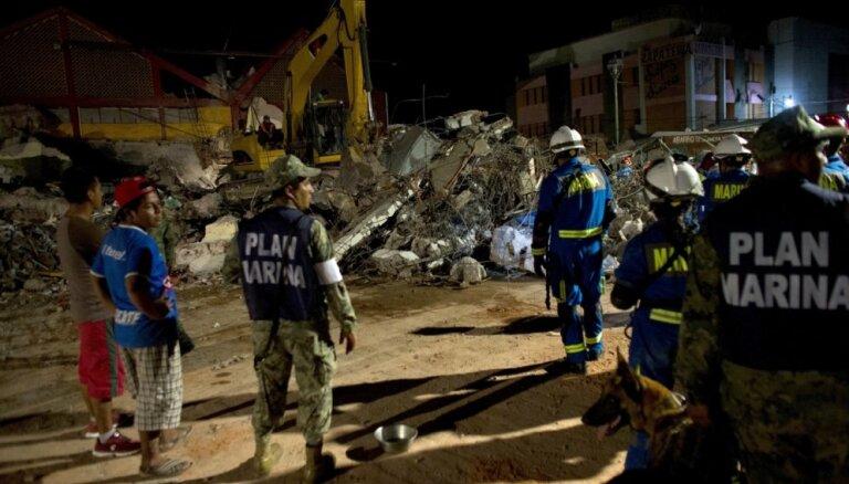 Землетрясение в Мексике: под завалами школы нашли живую девочку