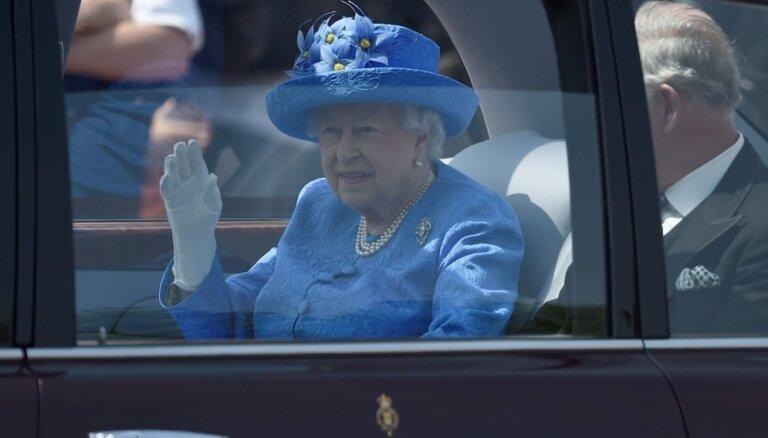 Tapis plāns karalienes Elizabetes II evakuācijai 'Brexit' nemieru gadījumā