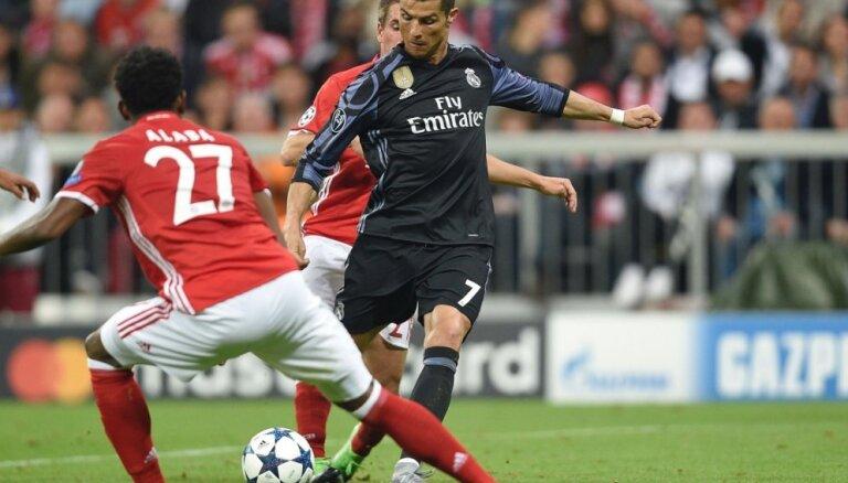 Ronaldu kaldina 'Real' uzvaru pār 'Bayern'; 'Atletico' pārspēj Lesteras 'City'