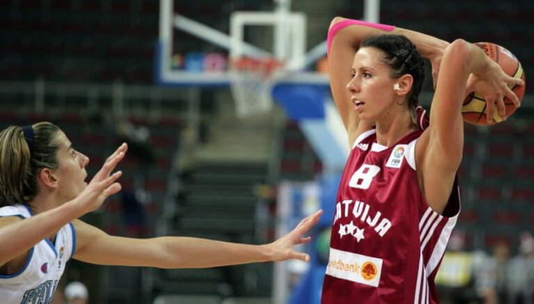 Baško-Melnbārde rezultatīvi palīdz 'Reze' pārspēt FIBA Eurolīgas bronzas medaļnieces