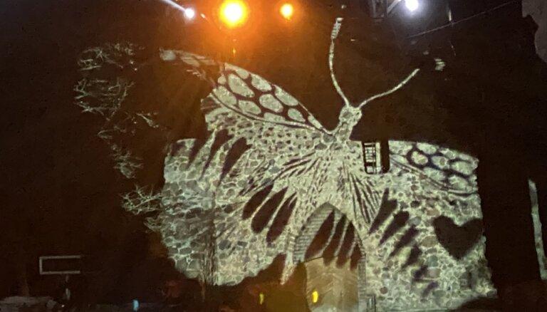 Siguldas pilsdrupu estrādē būs mulitimediāls uzvedums ar Elitas Patmalnieces darbiem