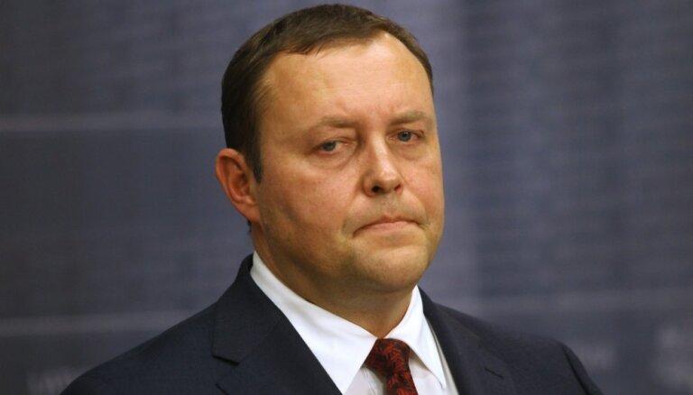 Iepriekš pieņemtais lēmums nesaglabāt pilsonību Slapiņa bērniem tika kārtīgi izdiskutēts, uzstāj Kozlovskis