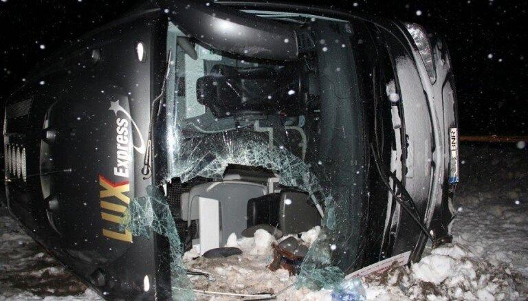 ДТП с участием автобуса Lux Express: лишившийся руки пассажир доставлен в Москву