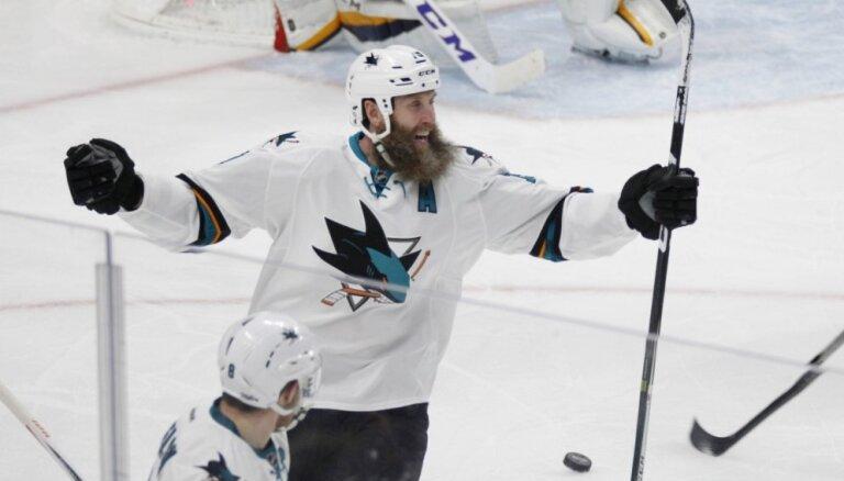NHL veterāns Torntons pirms gaidāmās sezonas uz laiku pievienojies Šveices klubam 'Davos'