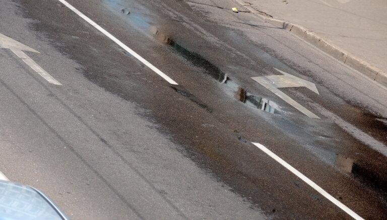 Департамент сообщения Рижской думы разработает программу полива улиц