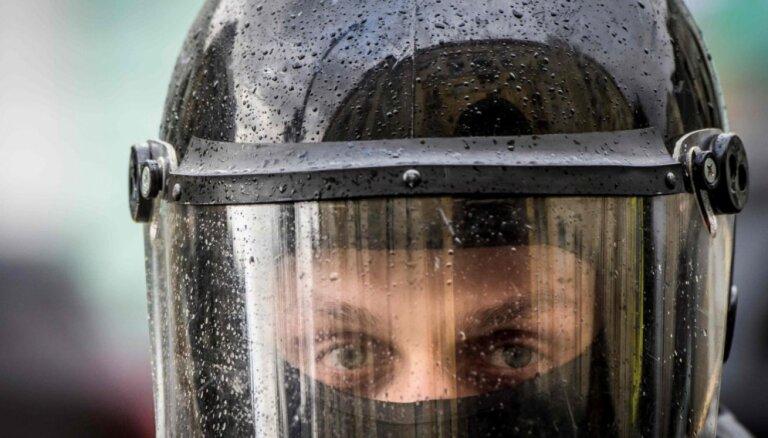 """В Москве и Петербурге полиция задержала участников """"Марша материнского гнева"""""""