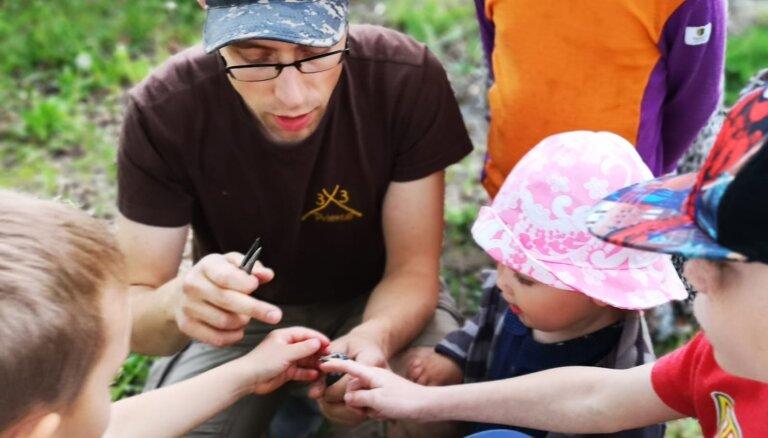 Skolēniem piedāvā iespēju kļūt par putnu ekspertiem
