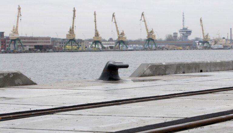 Rīgas brīvosta plāno kravu apgrozījuma kritumu