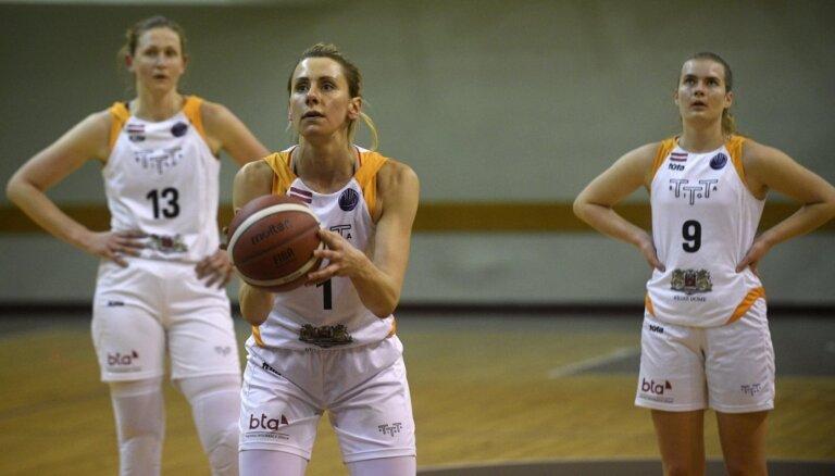 TTT spraigā cīņā pieveic jaunās 'Latvijas Universitāte' basketbolistes