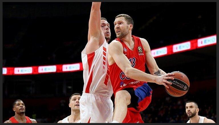 Medijs: CSKA pārtrauks līgumsaistības ar Jāni Strēlnieku