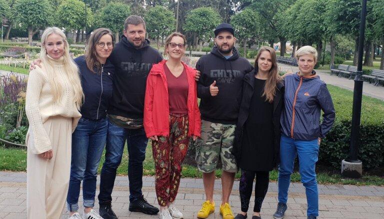 "Ghetto Games убрала ""сексистские"" плакаты в Гризинькалнсе"