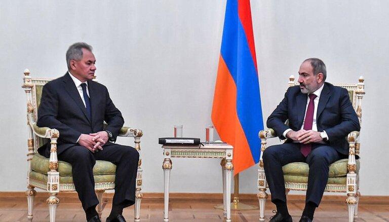 Pašinjans pēc sagrāves karā grib vairāk militāri tuvināties Krievijai