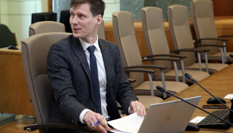 Министр экономики не собирается извиняться перед LIAA