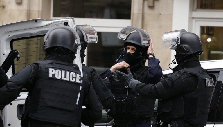 Под Парижем обезглавлен школьный учитель. Макрон назвал убийство исламистским терактом