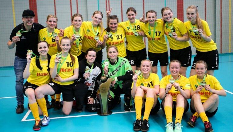 'Rubenes' florbolistes trīspadsmito reizi triumfē Latvijas čempionātā