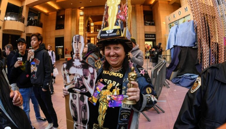 Foto: Holivuda lāsmo zeltā – klāt 'Oskaru' nakts