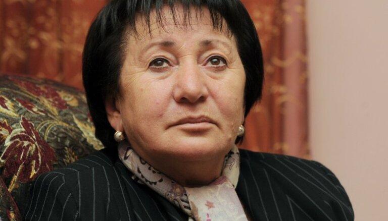 Наступление Джиоевой: президент Южной Осетии — я