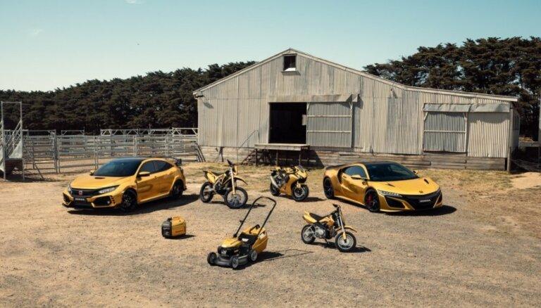 'Honda' ar zelta toņa plēvi pārvilkusi sportiskos auto, motociklus un pat zālespļāvēju