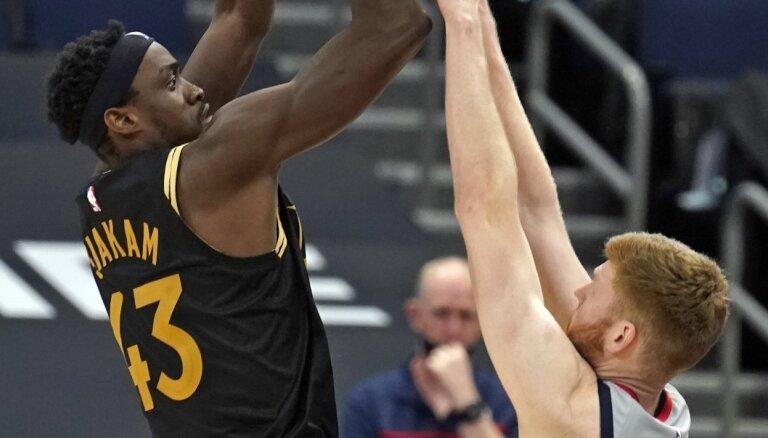 Bertāns gūst 14 punktus svarīgā 'Wizards' uzvarā pār 'Raptors'; 'Mavericks' pieveic 'Nets'