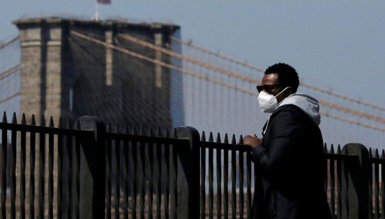 Америка в долгах и без работы: как вирус ударил по экономике США