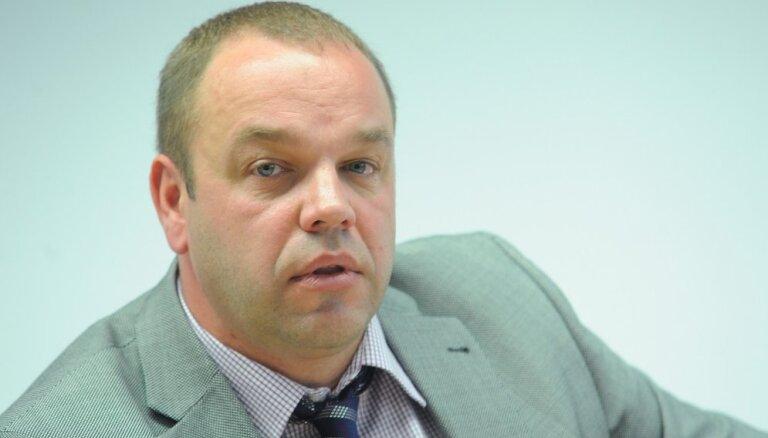KNAB rosina sākt kriminālvajāšanu pret Gudermani par 99 dokumentu viltošanu
