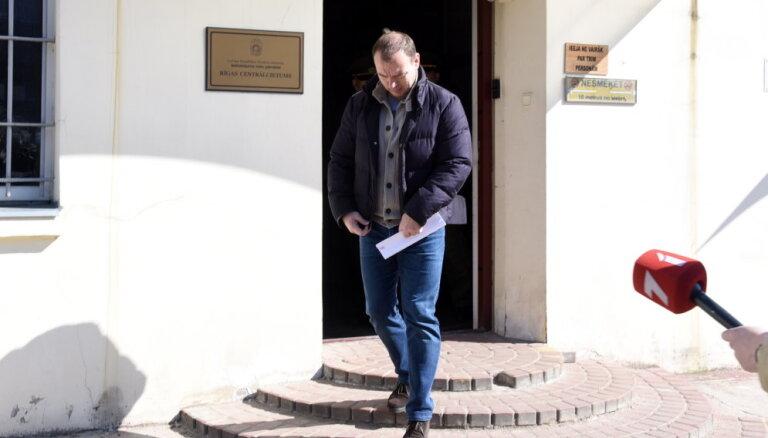 Tiesnese Martinsonam drošības naudu noteikusi, jo mazinājies izmeklēšanas traucēšanas risks