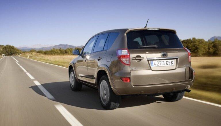 Toyota отзывает почти 3 млн автомобилей из-за ремней безопасности