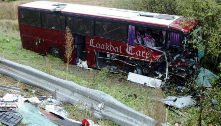 Авария автобуса под Ригой: 21 пострадавший (обновлено)