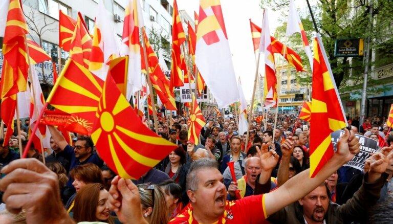 Referendumā par valsts nosaukuma maiņu Maķedonijā zema vēlētāju aktivitāte