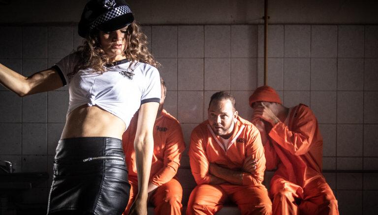 Noskaties! Lauris Reiniks piedāvā cietumā filmētu videoklipu