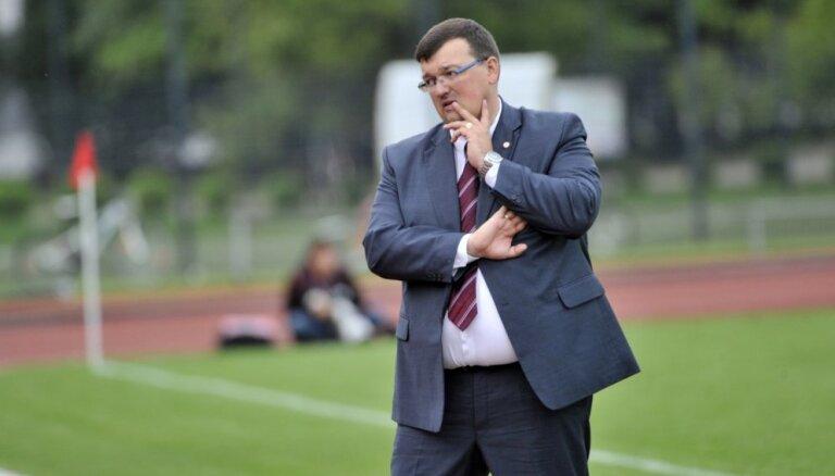Latvijas futbola izlases galvenā trenera amatam tiek izskatīta arī Kazakeviča kandidatūra
