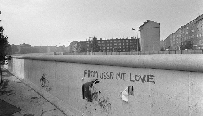 Baltijas ārlietu ministri: Berlīnes mūra krišana nozīmēja 'ļaunuma impērijas' sabrukumu