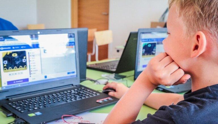 Bērni un tehnoloģijas – 'TechChill' ietvaros spriedīs, kā audzināt nākotnes paaudzi