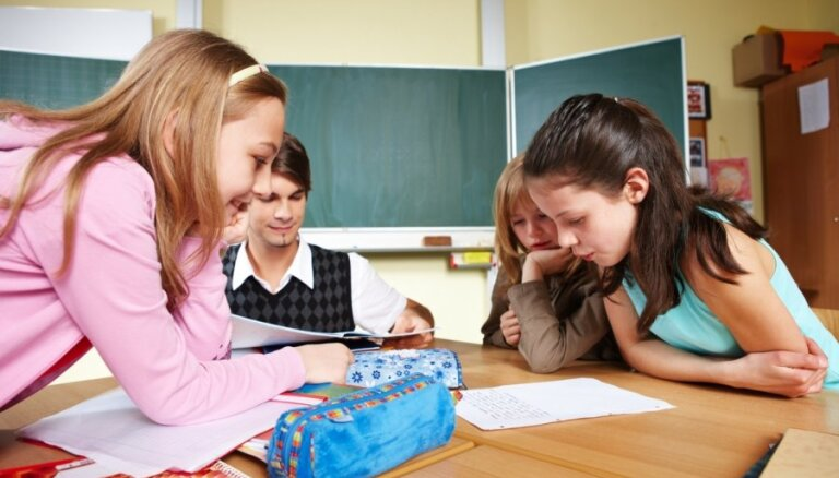 Школьники Латвии знают естественные науки на уровне США, математику — на уровне Испании