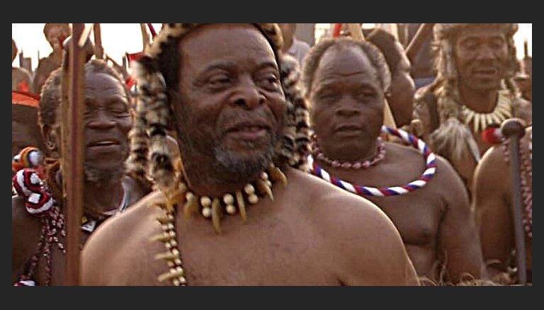 Zulusu karaļa sestajai sievai 'vajag savu pili'